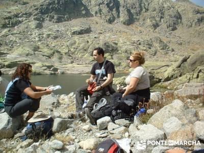 Laguna Grande de Gredos - Disfrutando Gredos; grupos de senderismo en madrid